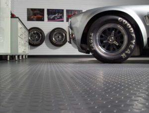 Напольное покрытие гаража