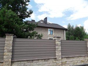 Надёжный забор для частного дома