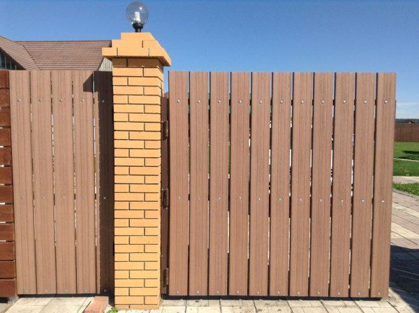 Забор из штакетника ДПК