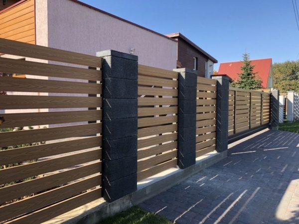Забор из ДПК горизонтальный с зазором